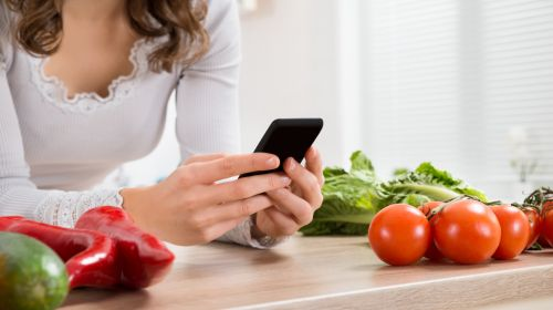 Smartphones: Ultimate Kitchen Assistants?