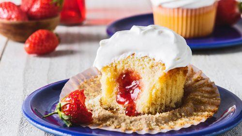 Wimbledon Strawberry Cupcakes